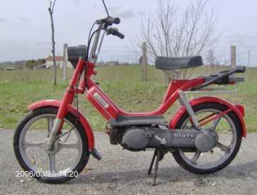 vespa piaggio moped