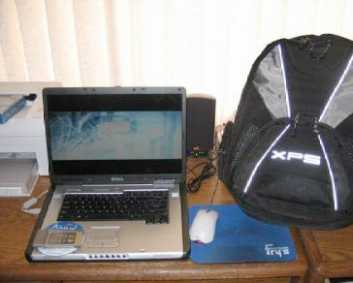 Photo: Sells Laptop computer DELL