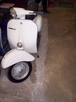 Photo: Sells Scooter 125 cc - VESPA