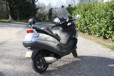 see an ad sells scooter 125 cc piaggio x9 evolution. Black Bedroom Furniture Sets. Home Design Ideas