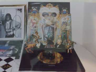 Photo: Sells CD Pop, rock, folk - MICHAEL JACKSON