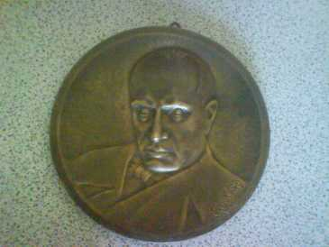 Photo: Sells Medal / badge / military object PIATTO IN BRONZO DI MUSSOLINI - Between 1917 and 1939