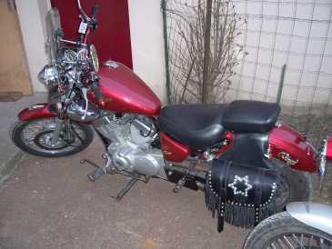 Photo: Sells Motorbike 125 cc - YAMAHA