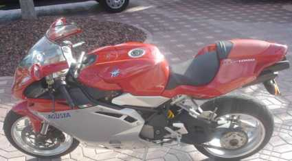 Photo: Sells Motorbike 1000 cc - MV AGUSTA - F4