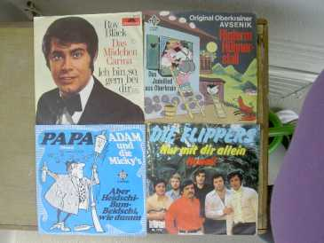 Photo: Sells 30 Vinyls 45 rpm DIVERS - DIVERS
