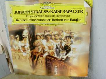 Photo: Sells 2 Vinyls albums 33 rpm Classical, lyric, opera - KAISER WALZER - DEUTSCHE GRAMMOPHON