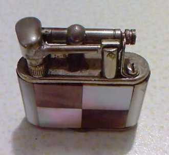 Photo: Sells Lighter ACCENDINO IN MADREPERLA ORIGINALE 1920