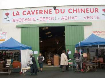 Photo: Proposes Store opening CAVERNEDESCHINEURS - MAINE ET LOIRE