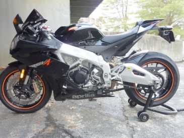 Photo: Sells Motorbike 1000 cc - APRILIA - RSV