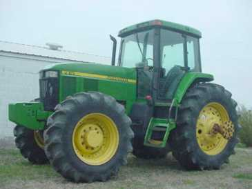 Photo: Sells Agricultural vehicle JOHN DEERE - 7810 4X4