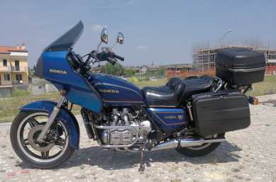 Photo: Sells Motorbike 1100 cc - HONDA - GL
