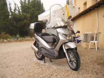 Photo: Sells Scooter 200 cc - PIAGGIO - BERVERLY 200