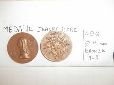 Photo: Sells 4 Medals JEANNE D'ARC ET CHARLES 7 - Medal memory - Between 1917 and 1939