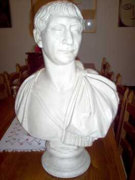Photo: Sells Decorative object BUSTO IMPERATORE
