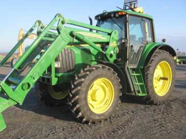 Photo: Sells Agricultural vehicle JOHN DEERE - 7420
