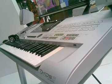 Photo: Sells 100 Synthetizers YAMAHA - YAMAHA TYROS 4