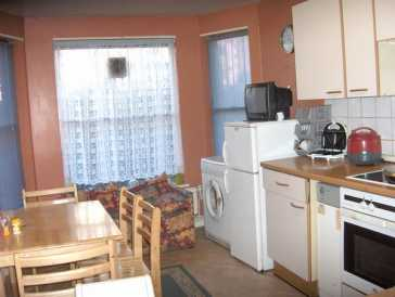 Photo: Rents 2 bedrooms apartment 80 m2 (861 ft2)