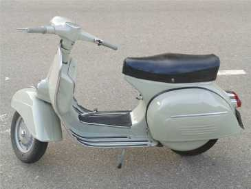 Photo: Sells Motorbike 150 cc - PIAGGIO - VESPA