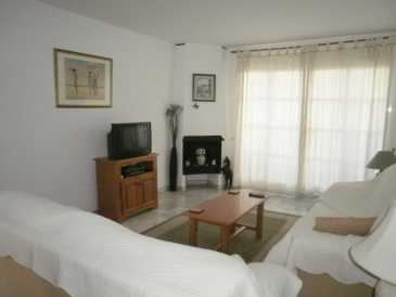 Photo: Rents 2 bedrooms apartment 77 m2 (829 ft2)