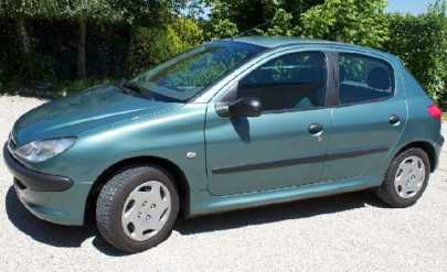 Photo: Sells 4 Grands tourings PEUGEOT - 206