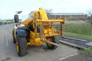 Photo: Sells Agricultural vehicle JCB - 531 70 TURBO