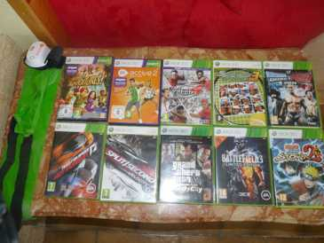 Photo: Sells Gaming console X BOX - 360 SLIM AVEC KINECT ET 2 MANETTES SANS FILS