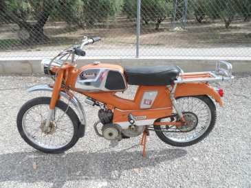 Photo: Sells Motorbike 50 cc - MOBYLETTE - MOBYLETTE