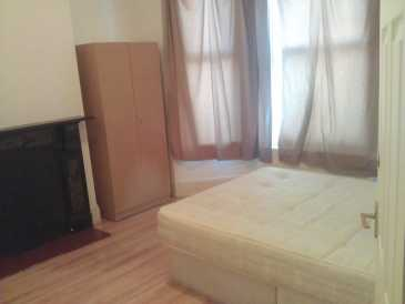 Photo: Rents 3 bedrooms apartment 15 m2 (161 ft2)