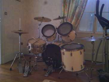 Photo: Sells Percussion TAMA - ROCKSTAR BLANCHE