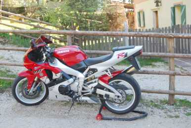 Photo: Sells Motorbike 1000 cc - YAMAHA - R1
