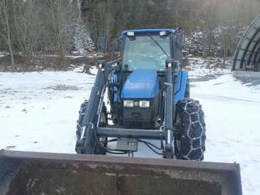 Photo: Sells Agricultural vehicle NEW HOLLAND - TL80