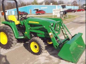 Photo: Sells Agricultural vehicle JOHN DEERE