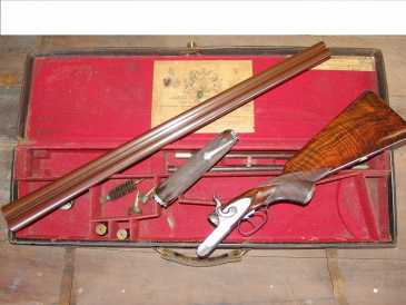 Photo: Sells Weapon Between 1800 and 1870