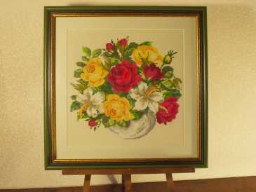Photo: Sells Tapestry LE VASE DE ROSES