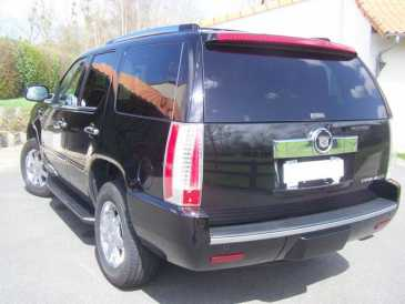Photo: Sells FWD car CADILLAC - ESCALADE