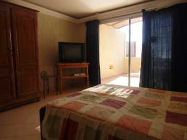 Photo: Rents 3 bedrooms apartment 68 m2 (732 ft2)