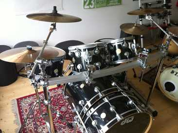Photo: Sells Collection object DW DRUMS COLLECTOR'S - DW DRUMS COLLECTOR'S - DW DRUMS COLLECTOR'S