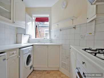 Photo: Rents 2 bedrooms apartment 7 m2 (75 ft2)