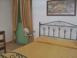 Photo: Rents 4 bedrooms apartment 60 m2 (646 ft2)