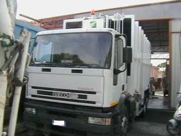 Photo: Sells Machine IVECO - COMPATTATORE PER RIFIUTI URBANO