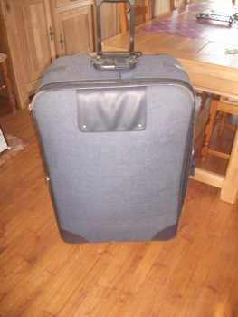 Photo: Sells Clothing and jewel VALISE TROLLEY ZIFEL