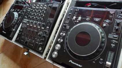 Photo: Sells Accessories and effects PIONEER - CDJ 1000 MK3