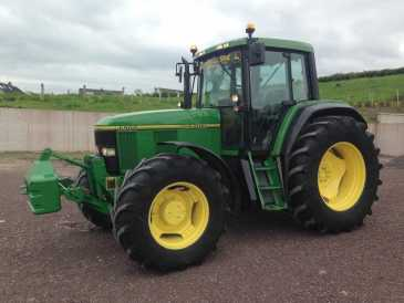 Photo: Sells Agricultural vehicle JOHN DEERE - JOHN DEERE