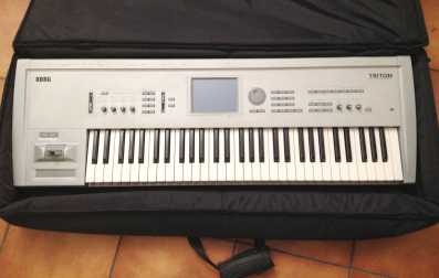 Photo: Sells Synthetizer KORG - TRITON CLASSIC