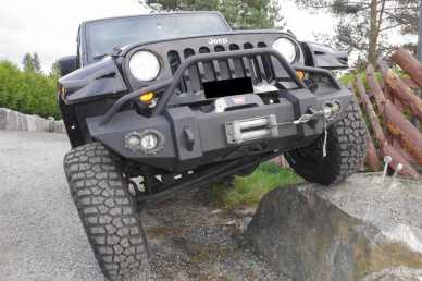 Photo: Sells FWD car JEEP - Wrangler