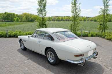 Photo: Sells Coupé FERRARI - 330 GT