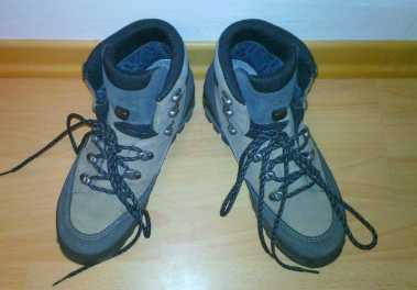 Photo: Sells Shoes GORE TEX