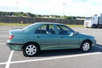 Photo: Sells 5 Grands tourings PEUGEOT - 406