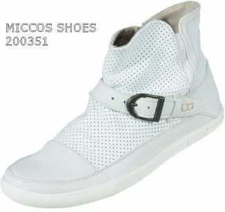 Photo: Sells Clothing Women - MICCOS SHOES - MICCOS SHOES