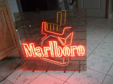 Photo: Sells Collection object ANCIENNE ENSEIGNE PUBLICITAIRE MARLBORO